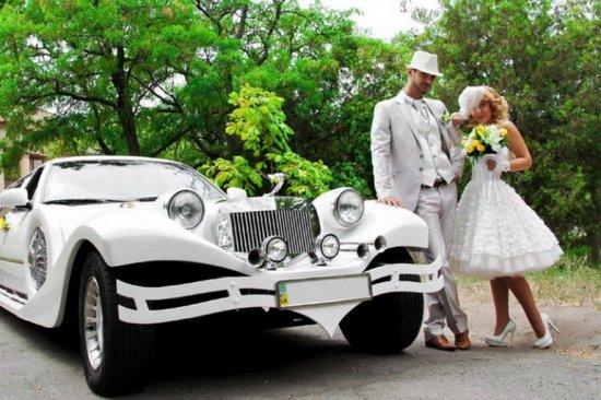 Стильный свадебный кортеж лицо молодой семьи